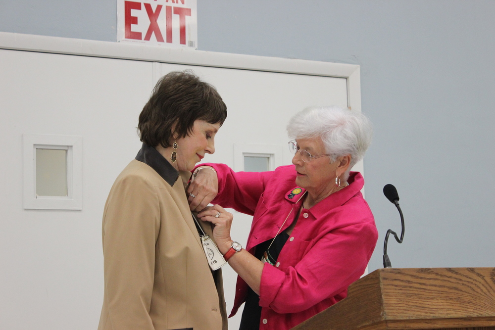 Marlys Cordes receiving 2014 President's Pin.jpg