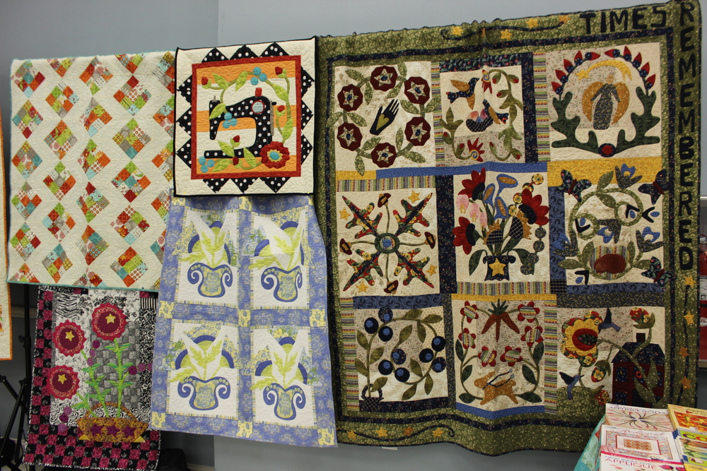 Pat Sloan's quilts 1.jpg