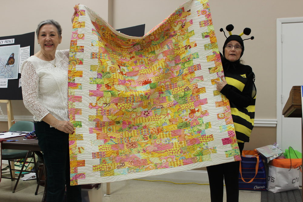 Judy Shelton getting Past President quilt 4.JPG