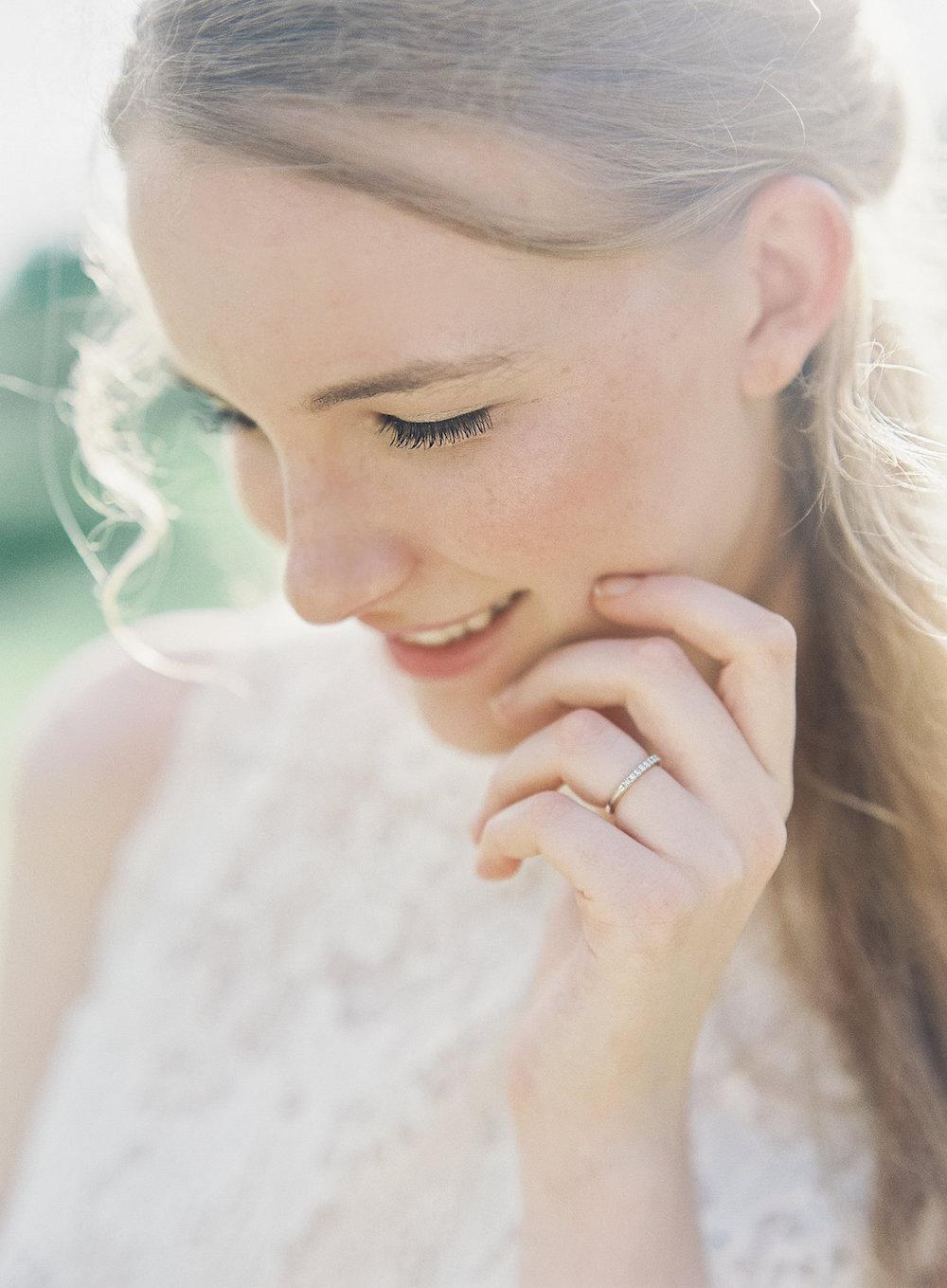 Simple Bridal Portraits - Winnipeg Wedding Photographer