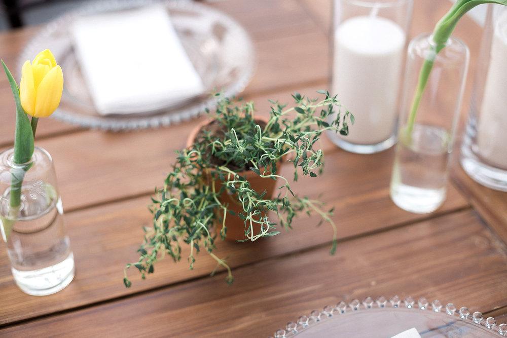 Simple Wedding Decor Ideas - Stone House Creative