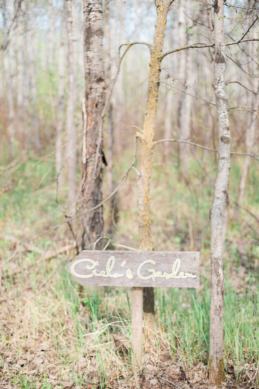 Weddings in Manitoba - Cielo's Garden