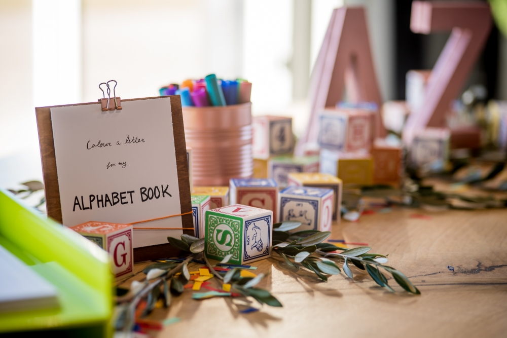 guest book table - stone house creative