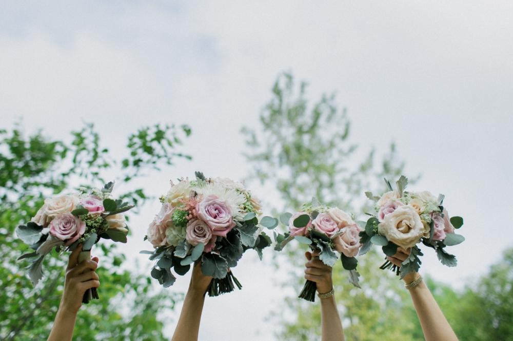 wedding florist in winnipeg - pink wedding flowers