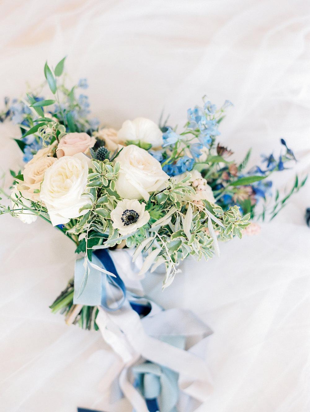 organic bridal bouquet - Winnipeg Wedding Florists