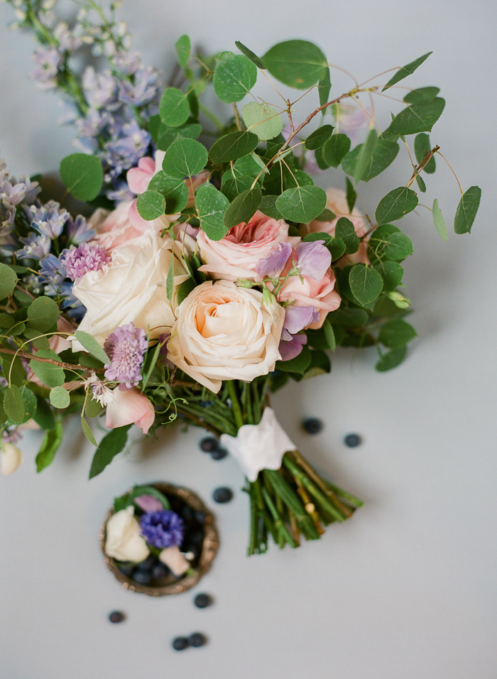 Example of an analogous colour palette by Stone House Creative. Photo by  Brittany Mahood Photography.