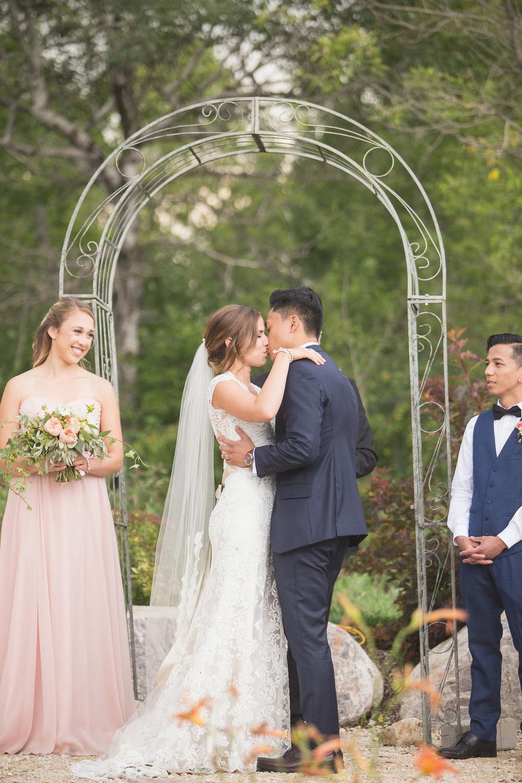 Hawthorn Estates Wedding - Winnipeg Weddings