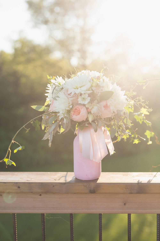 White and Blush Wedding Flowers - Wedding Bouquet Ideas