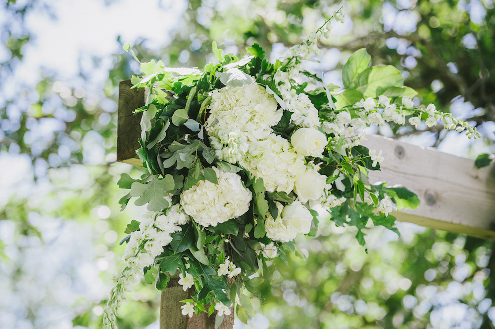 White wedding Flower Ideas - Stone House Creative