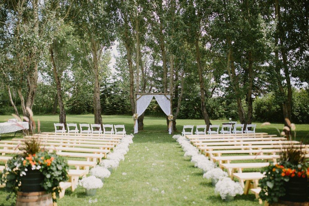 Country Wedding Ideas - Outdoor Wedding in Winnipeg