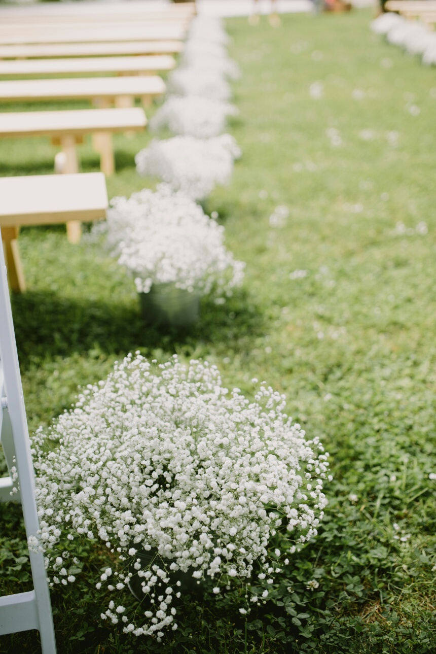 Aisle Flowers - Wedding Florist in Winnipeg