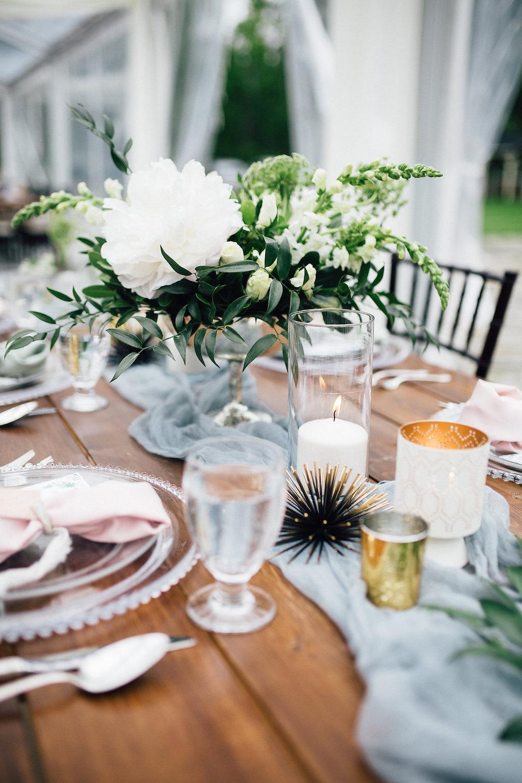 White Wedding Flowers - Wedding Florists Winnipeg