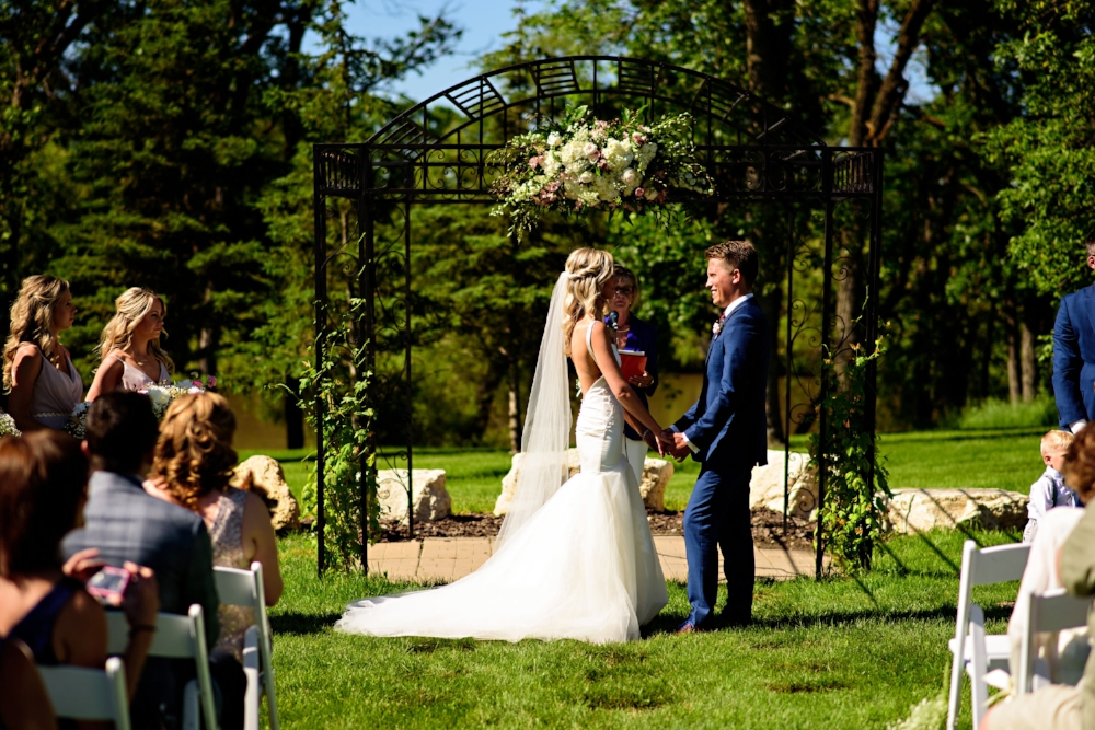 The Gates on Roblin Wedding - Stone House Creative Flowers