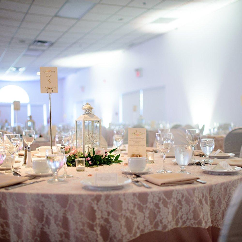 Lantern Wedding Centrepiece - Winnipeg Wedding Flowers