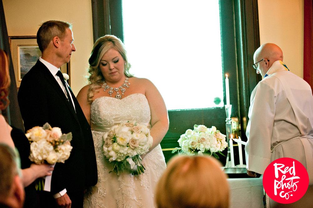 Resto Gare Winnipeg Wedding - Winnipeg Wedding Flowers