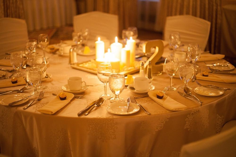 Winter Wedding Ideas - Candle Centrepiece Ideas