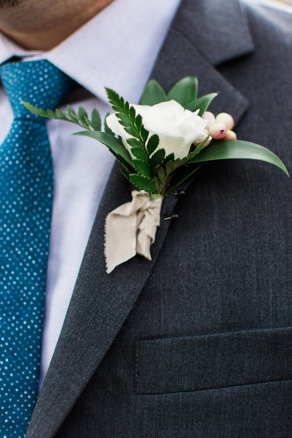 White Boutonniere - Fall Wedding Flower Ideas