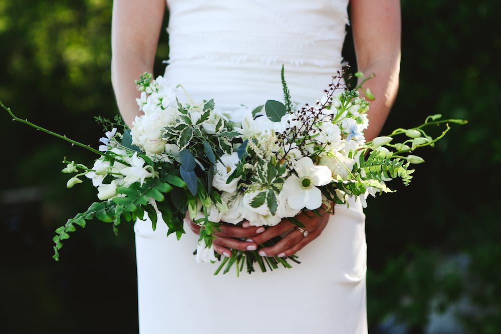 White and Green Wedding Flowers - Wedding Flower Inspiration