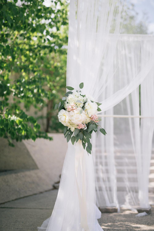 Outdoor Wedding in Winnipeg - Stone House Creative