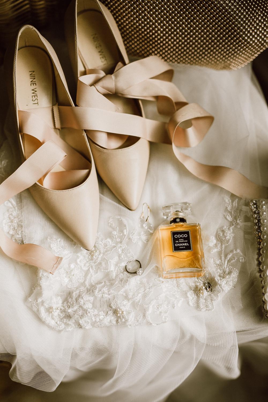 Classic Wedding Photos - Winnipeg Wedding Photographer