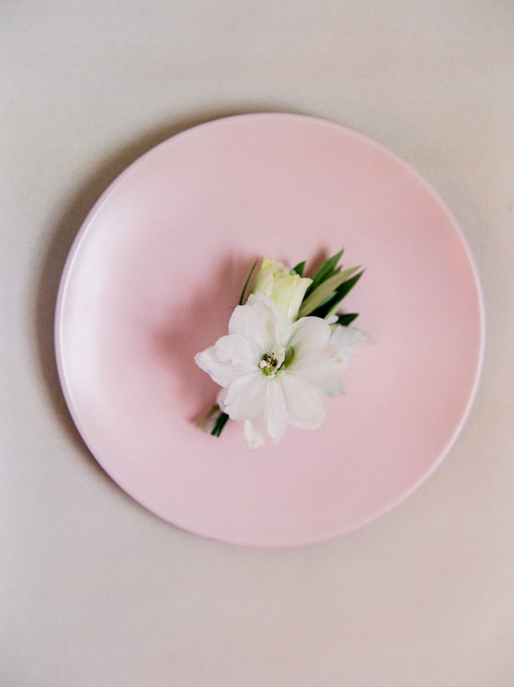 White Boutonniere - Wedding Flower Ideas