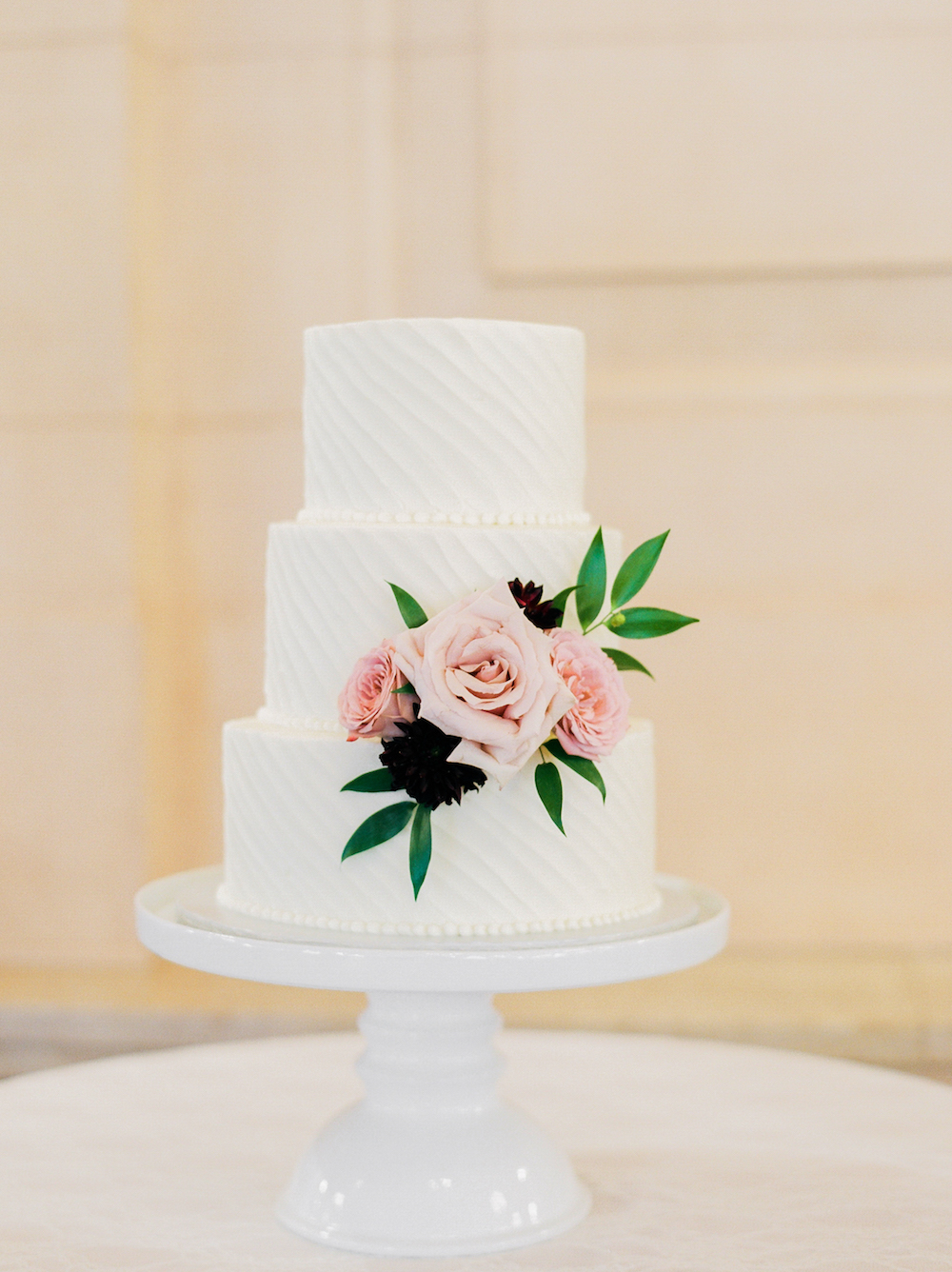 Simple Wedding Cake - Wedding Cake with Fresh Flowers