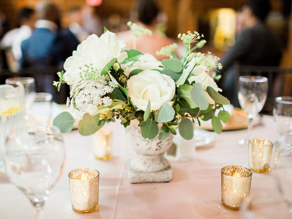 White Floral Wedding Centrepiece - Clear Lake Wedding