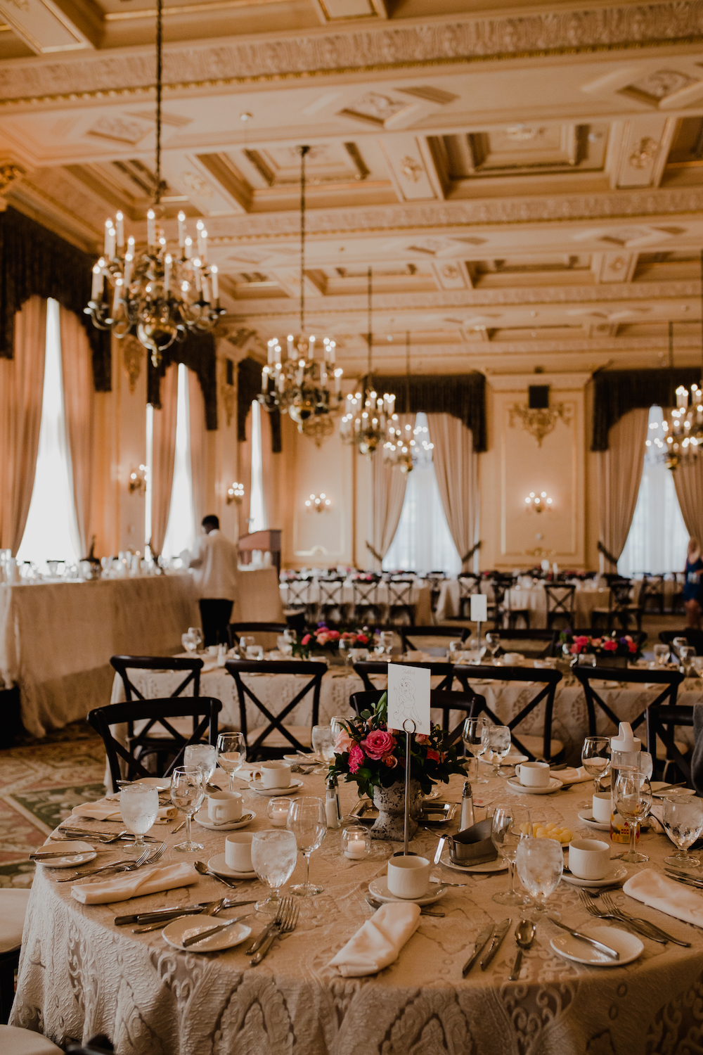 Fort Garry Hotel Provencher Room - Elegant Ballroom Wedding Winnipeg