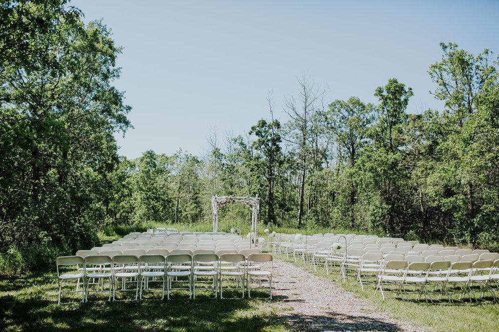 Outdoor Wedding Ceremony Winnipeg - Pineridge Hollow