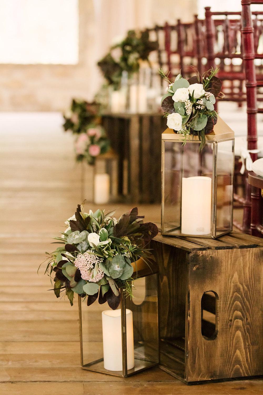 Lantern Aisle  Decor - Wedding Florists in Winnipeg