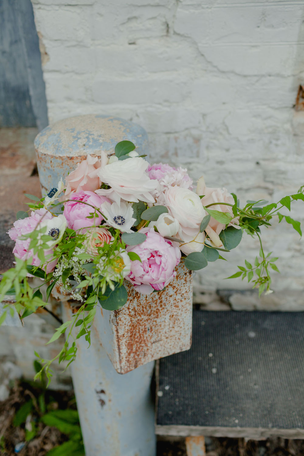 Garden-inspired-wedding-flowers--stone-house-creative.jpg