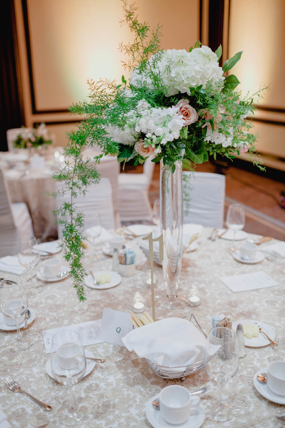 tall-organic-wedding-centrepieces--winnipeg-wedding-florist.jpg