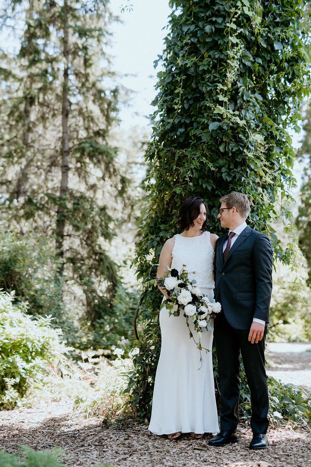 Assiniboine Park Wedding Photos - Wedding planning in Winnipeg