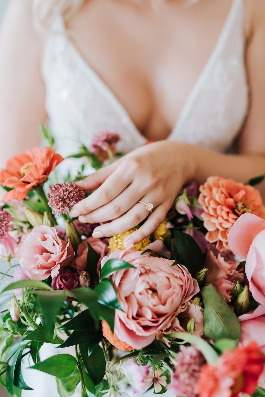 Wedding Florists in Winnipeg - Garden Style Wedding Flowers
