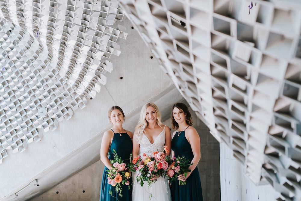 Wedding Flowers Winnipeg - Wedding Photographers Winnipeg