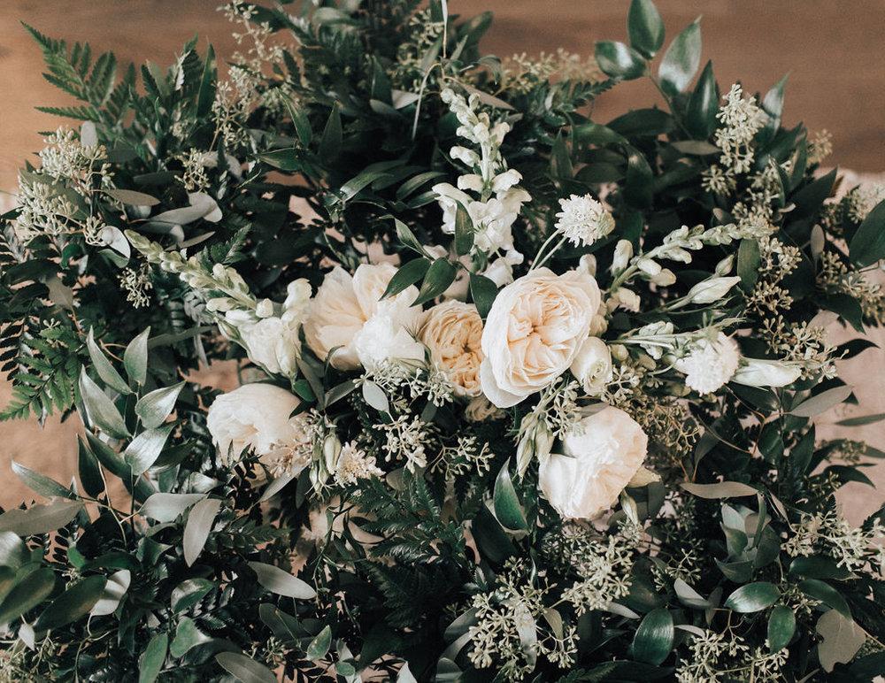 Modern White and Green Wedding - Weddings at Cielo's Garden