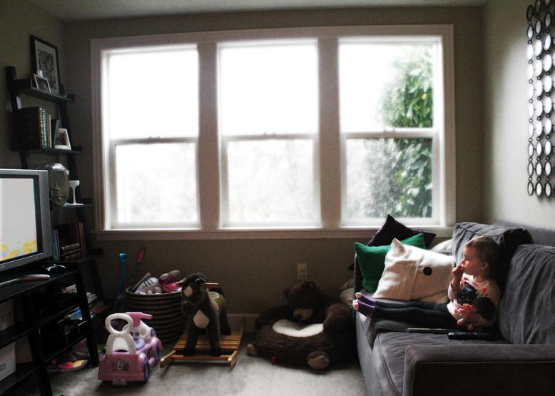 promises-keeping-breaking-making-toddler-child-watching-tv