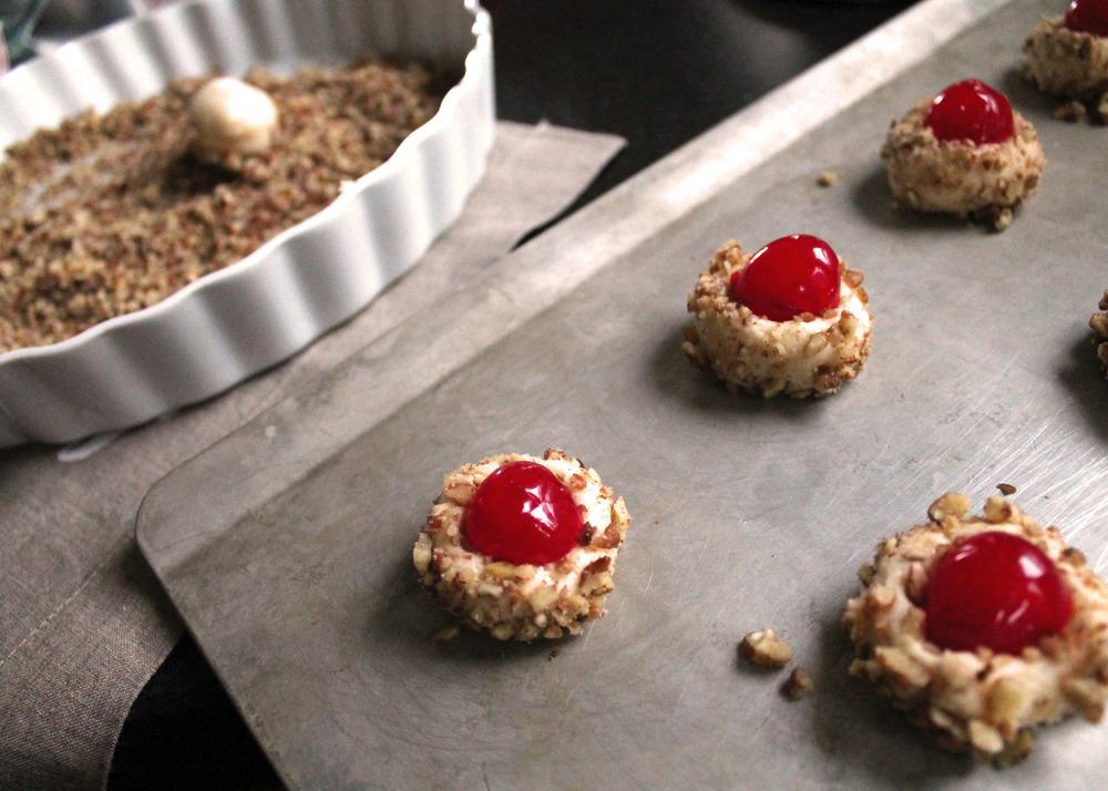 cherry-winks--my-favorite-holiday-cookie-#everydayenthusiastic