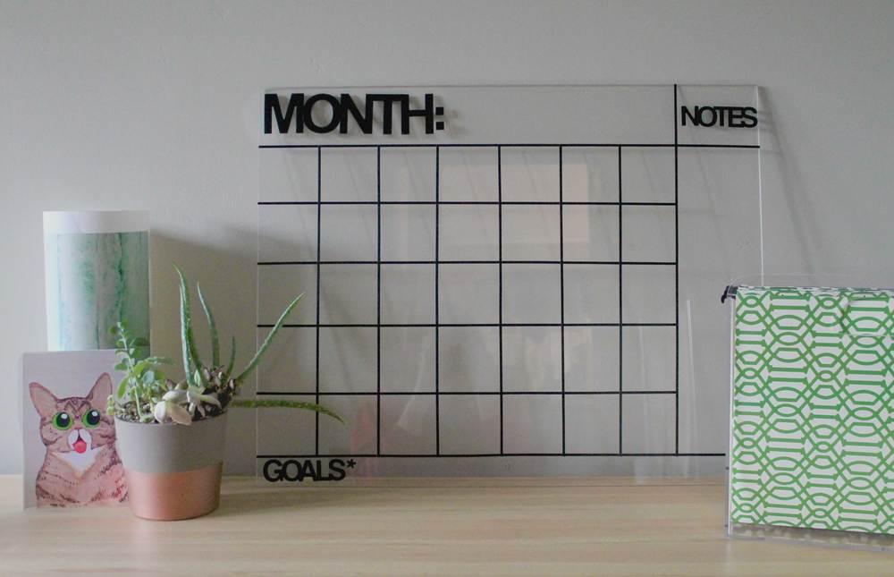 acrylic-desktop-calendar-diy-workspace