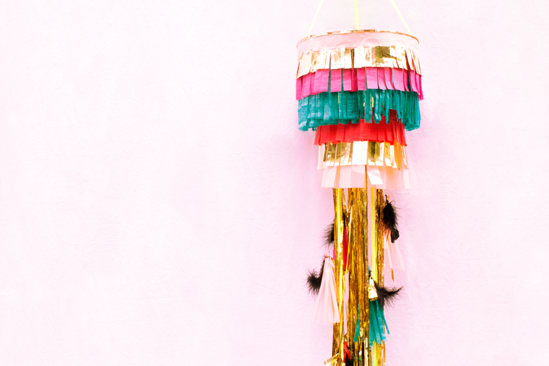 everyday-enthusiastic-diy-party-chandelier