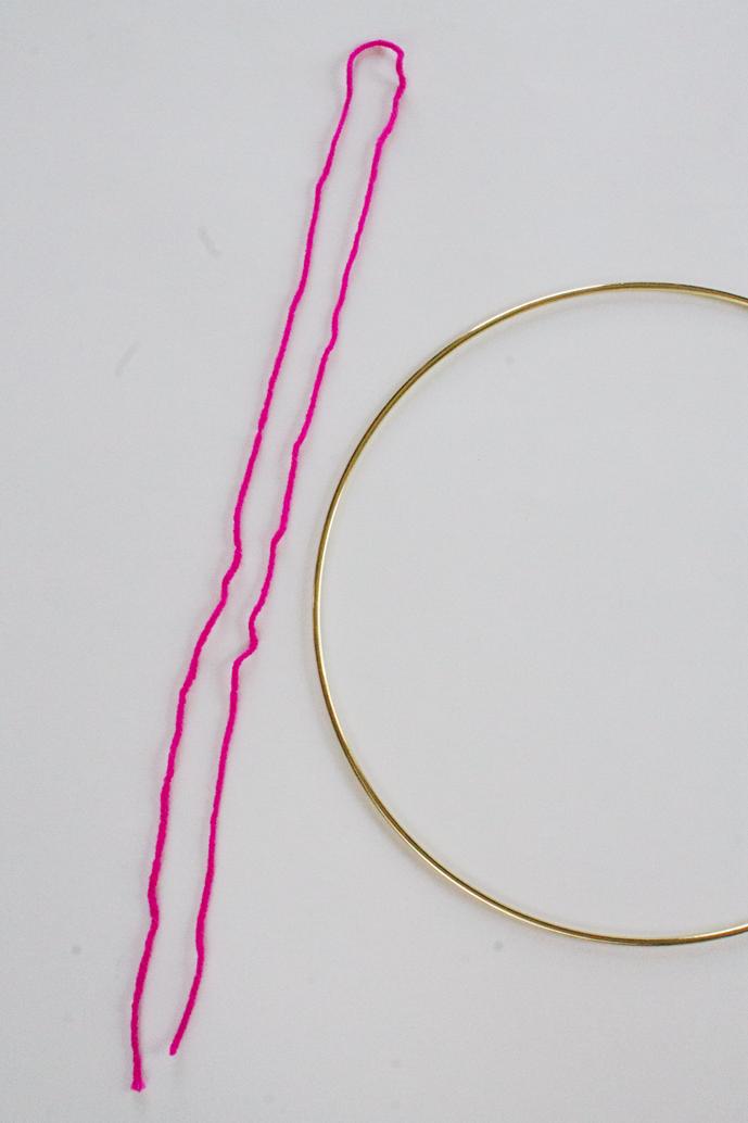 yarn-and-gold-ring-wall-hanging-diy
