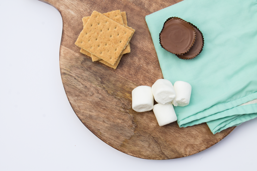 simple-adorned-s'more-stick-diy-reese's-s'more