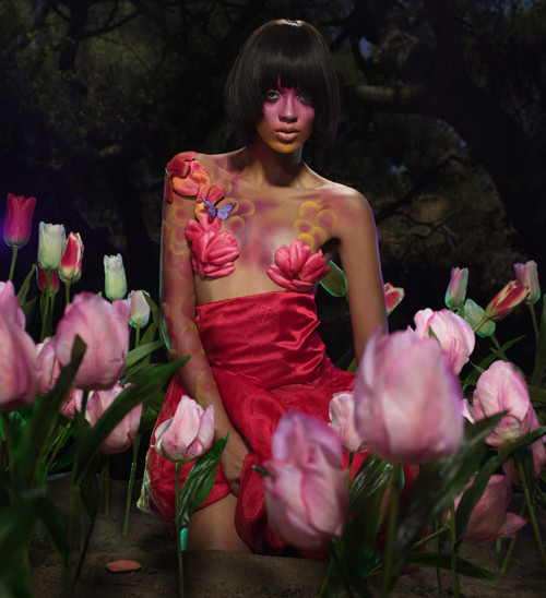 ANTM-9-saleisha-picture-flowers.jpg