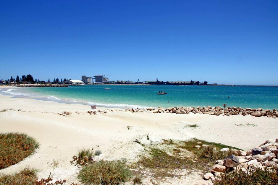 GERALDTON BEACH  Perth Beaches -   Features  Accessible Beach Matting