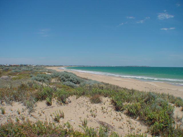 MADORA BAY BEACH  Perth Beaches -   Features  Accessible Beach Matting