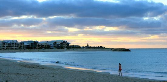 TOWN BEACH, MANDURAH  Perth Beaches -   Features  Accessible Beach Matting