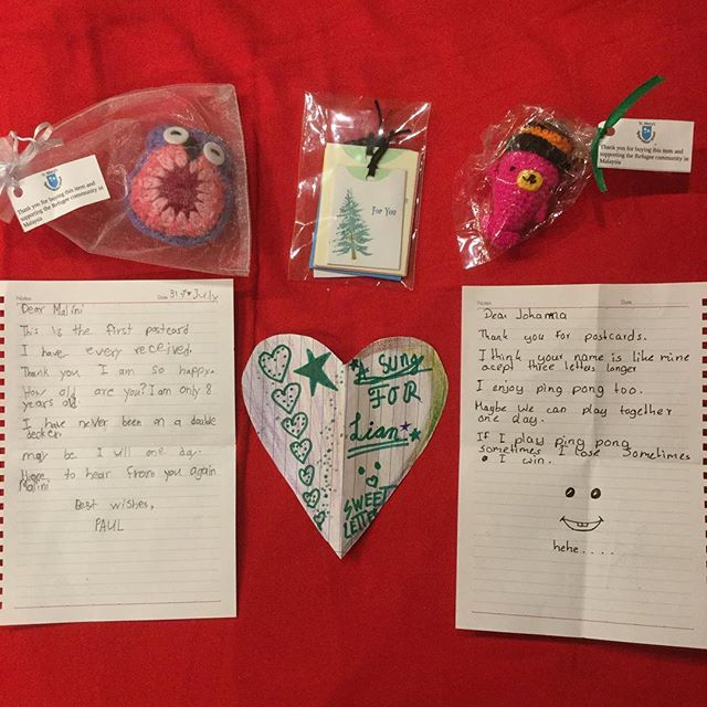 Handmade keychains and letters from the refugee children our London champions have been writing to! We're really touched by how heartfelt their messages are ❤️ If you're keen on getting involved in this or our other fantastic micro-volunteering events (gardening, dog-walking, beanie-knitting, etc), do look out for our next event near you: http://www.causecorps.co/ . . . . #Letterswithlove #Childrefugees #charitypartner #Socialchangemakers #Makingadifferencetogether #Givingbacktothekids #dosomethingkind #Dosomethingmeaningful #Dosomethingforothers #dogoodintheworld #Actsofgood #Volunteeringwork #Craftforacause #Charitycrochet #learningfromeachother #Collectiveaction #Helpingkidsinneed #Volunteeryourtime #Encouragekids #Givechildrenhope #Makingadifference #Actsofkindness  #Volunteerwork #philanthropic #Bethechangeyouwishtoseeintheworld #Childrenscharity #Helprefugees #Doyourbit #Penpalsaroundtheworld #Socialimpact