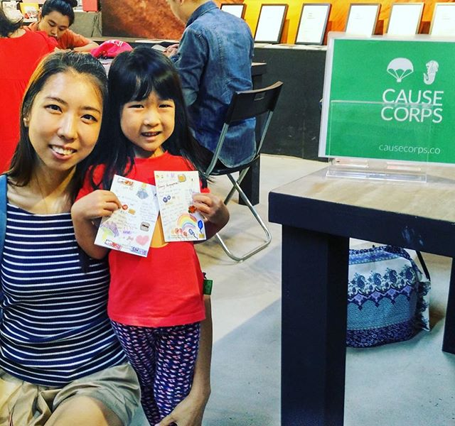 Starting them young in Singapore 👩‍👧 - @cause_corps - it's a family thing! Writing a postcard for @postpalscharity can take as little as 2 minutes but make the biggest difference to a child's day! Check out our meetup page to get involved!