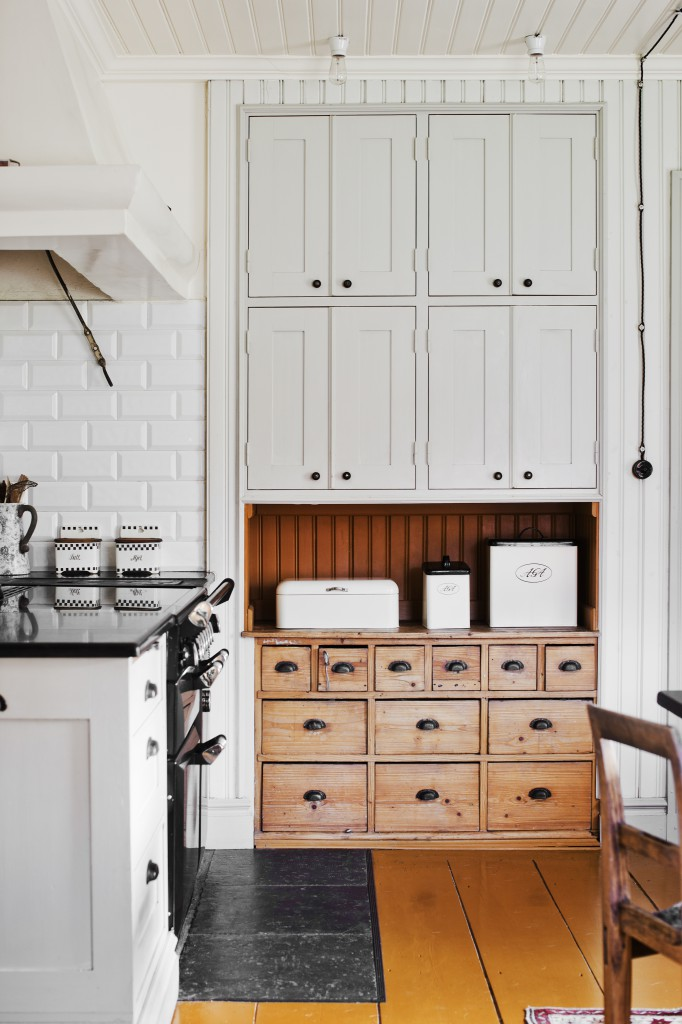 This historical home in Sweden will never go out of style | photography by  Lina Ostling