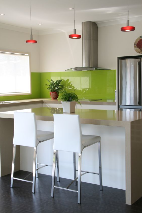 Greenery glass splashback